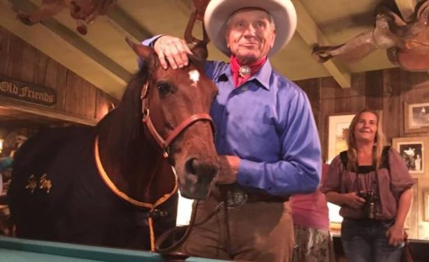 08-04-17 by Kentucky Performance Products – Equestricon, Monty Roberts Answers Your Questions, Free Horse With Trailer